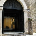 Ingresso negozio - Entrance to the shop