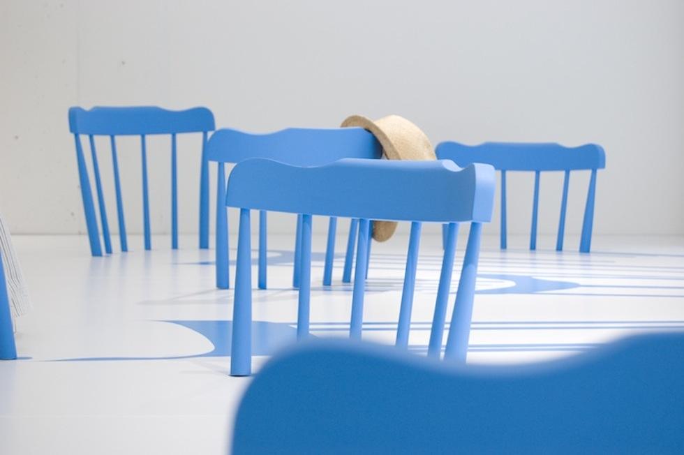 sedie azzurre ivo milan radical fashion blog