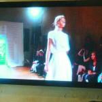 Schermo interno per anteprime di sfilate e showroom - Display screen to watch fashion shows and showrooms
