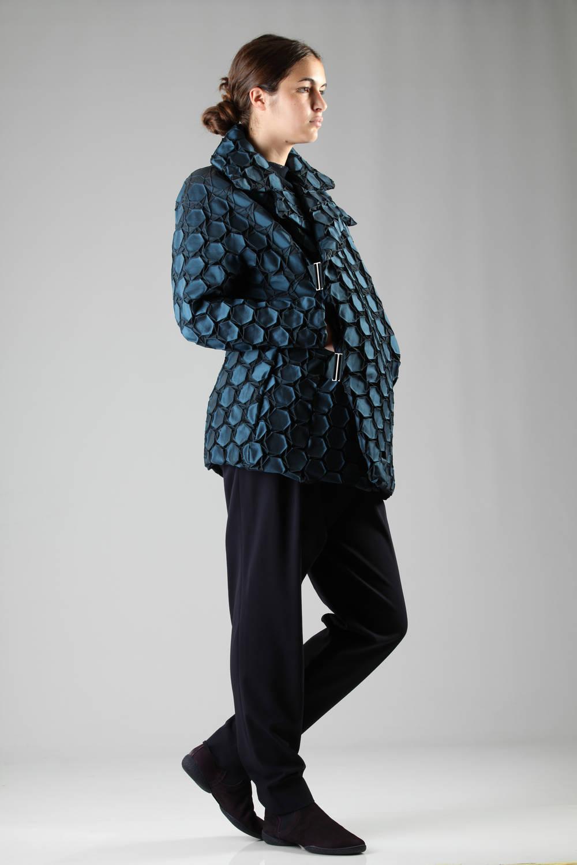 issey miyake fw 2016 blue coat