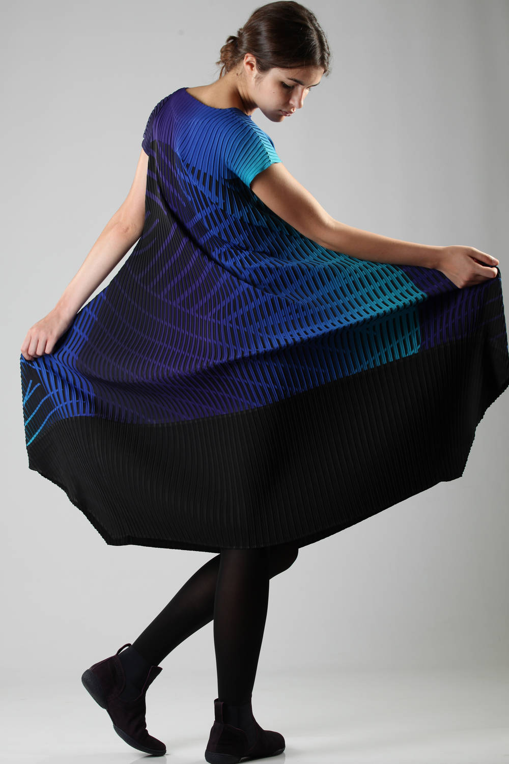 issey miyake fw 2016 multicolor blue dress 2