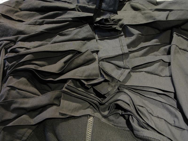 yohji-yamamoto-fw-2017-2018-jacket-detail
