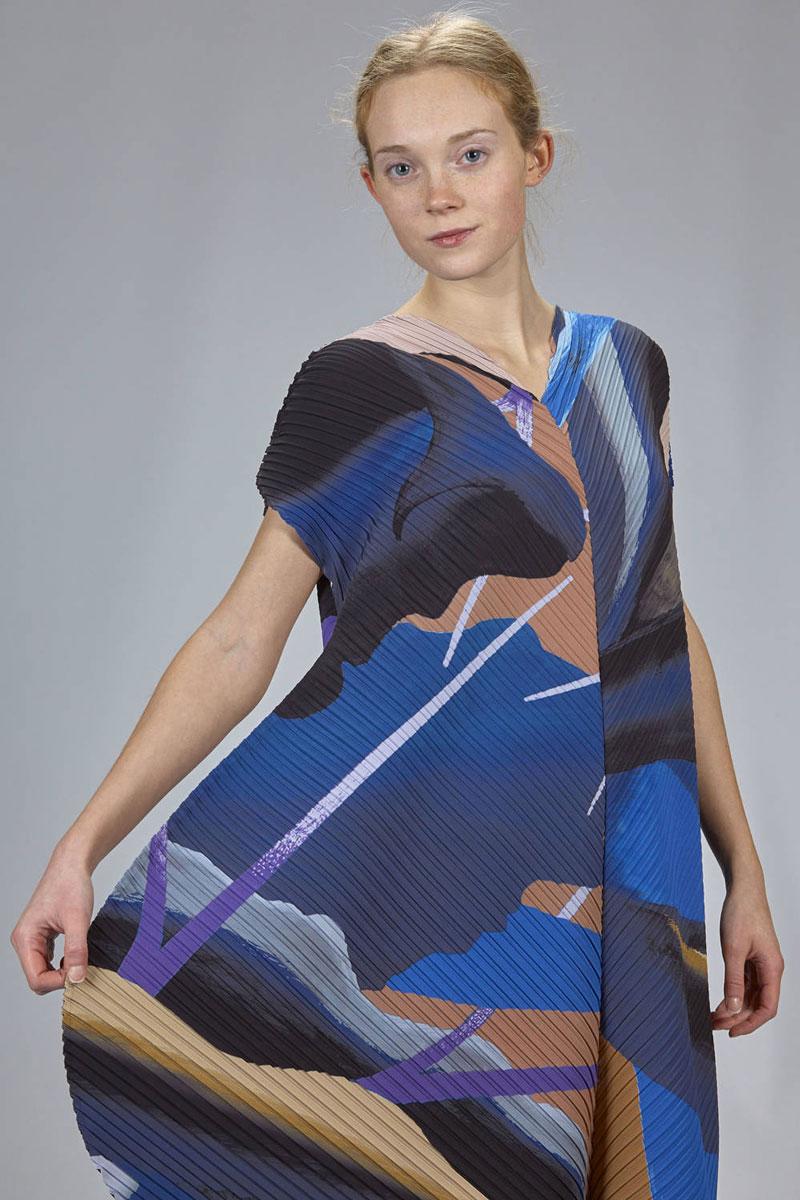 Issey-Miyake-Resort-dress-1